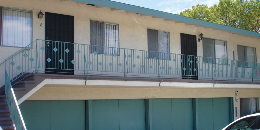 1898 Temple Ave, Signal Hill – 6 UNITS